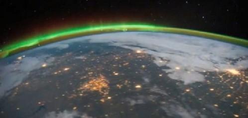 2961362-kak-vyglyadit-severnoe-siyanie-iz-kosmo